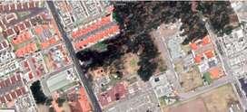 Vendo Amplio Terreno Sector Residencial Santa Lucia, Norte de Quito