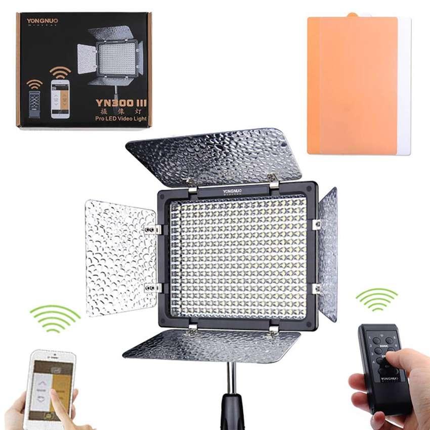 Yongnuo Yn300iii Led On-camera Light (3200 To 5600k)tienda 0