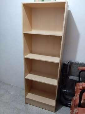 Repisa o librera de 4 pisos color maderal