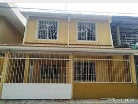 Venta de Casa en Cdla. Guayacanes, Norte de Guayaquil