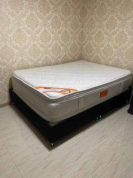 Cama Base + Colchón (1,40 cm x 1,60 cm)