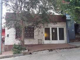 Ref. #695107 - Vendo casa de 2 dormitorios en Barrio Ducasse