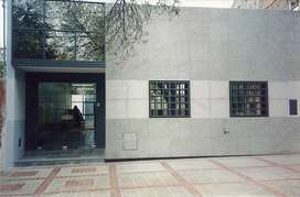 Edificio con Local Comercial, Oficinas y Depósito