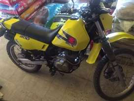 Vendo Moto DR200 Suzuki Modelo 2003