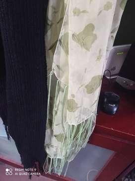 Dos bufandas por solo 10000