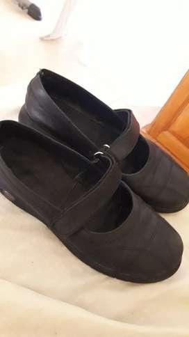 Vendo Zapatos para Colegio N34. 35