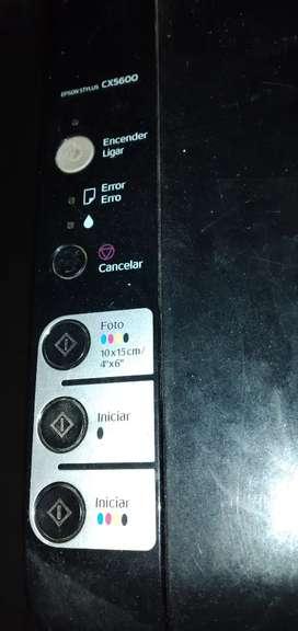 Impresora Epson cx5600. Funcionando. Con cartuchos nuevos.  USB.