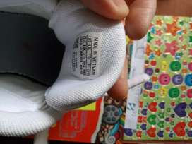 Zapatilla Adidas niño 6- 7 años 13 1/2 us