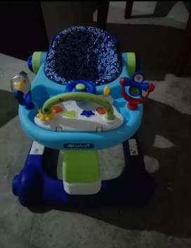 Andador para niño marca  Baby negociable
