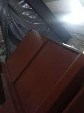 Mueble con puertas corredizas