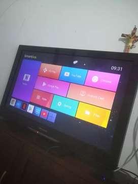 """Vendo tv de 32"""" no es smart pero para más economía vendo el( tv box) que vuelve el tv is"""