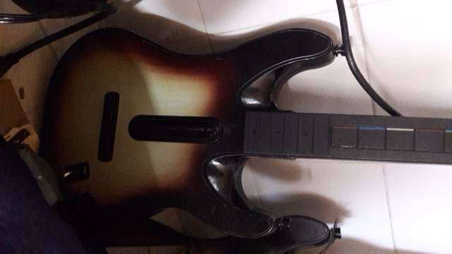 3 GuitarS Hero UNICAMENTE PARA WII 0