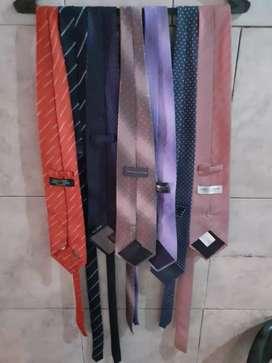 Vendo 18 corbatas todos x 500 zona oeste