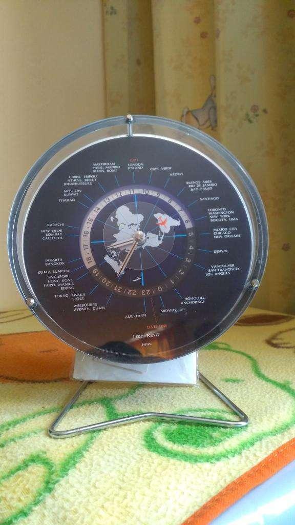Reloj con Horas de Los Paises 0