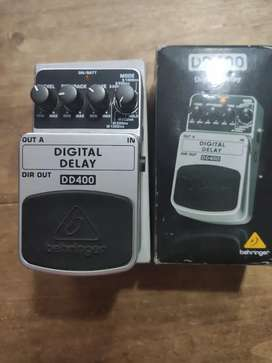 Pedal de guitarra Behringer DD400 Digital Delay
