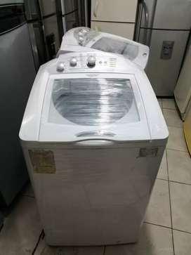 Lavadora 28 libras, Mabe, de perilla tanque en acero inoxidable