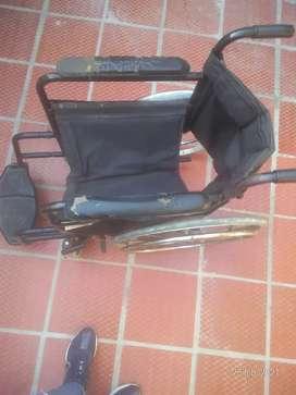 Una silla de rueda