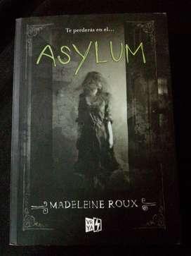 Libro Asylum de Madeleine Roux