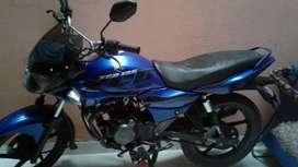 Se vende moto en buen estado
