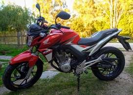 Vendo o permuto Honda Twister 250 Mod 2019