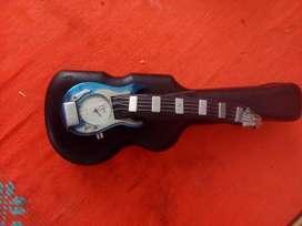 Reloj de Guitarra Y Estuche