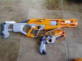 nerf accustrike+Pistola Nerf Zombie Hammershot Blaster( sin dardos)