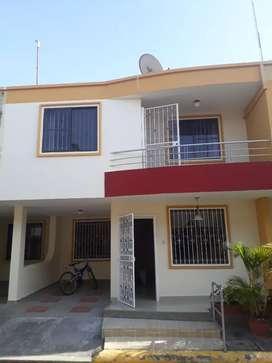 De oportunidad vendo casa en Urbanizacion privada