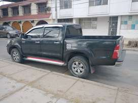 Vendo camioneta Hilux 4x4 SRV
