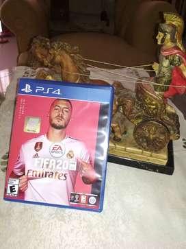 Vendo FIFA20 PS4