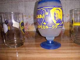 Liquido urgente vasos retro vintage