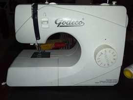 Maquina de coser Godeco *PRECIO CHARLABLE*