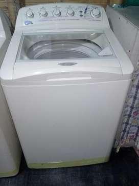 se vende lavadora semiautomática centrales 33 libras