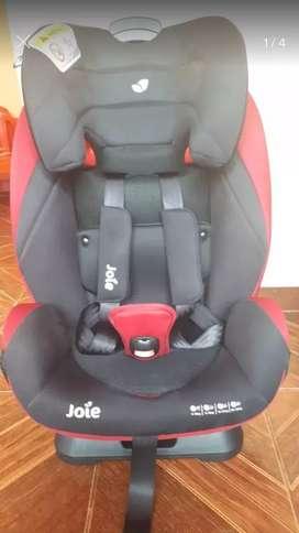 Asiento para bebés o niños hasta 36 Kg. Marca Joie