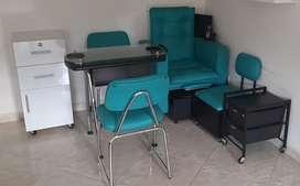 Se vende mueble de manicura y  pedicura