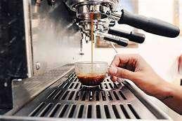 Ofrezcome profesional Barista,Bartender, Mesero, aux cocina, proactivo con experiencia amplia en el sector gastronomico.