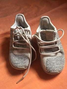 Zapatos adidas usados de niñ@s talla 23 y medio (7k)