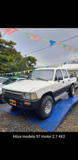 Hermosa  Toyota Hilux mod. 1997, 4x2.