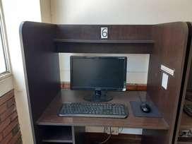 Computador portatil con mueble
