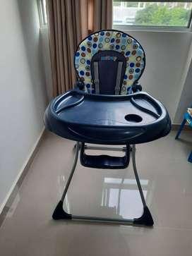 A la venta silla de comer infantil