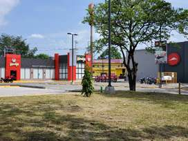 SE VENDE LOCAL FRENTE  A PLAZA PIZZA HUT Y WENDY'S LA COQUERA