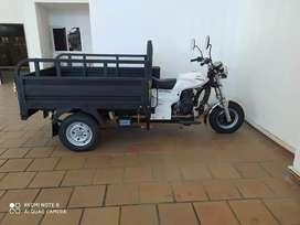 Ganganzo. Vendo motocarro akt AK200zw modelo 2021