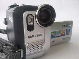 Camara  samsung  minidv y multicard 900x de video cargador cable