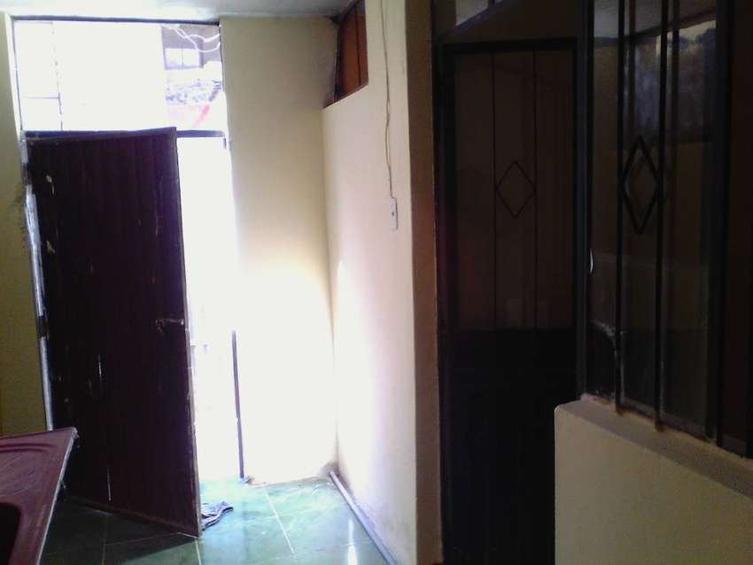 Se alquila departamento pequeño en San Martín de Socabaya. 0