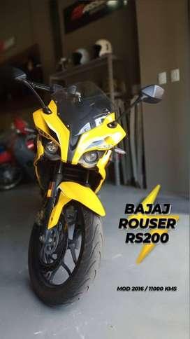 BAJAJ ROUSER RS200