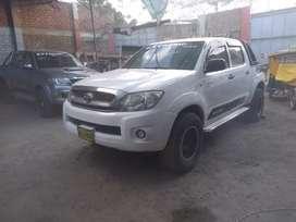 Vendo camioneta Toyota Hilux 4x2
