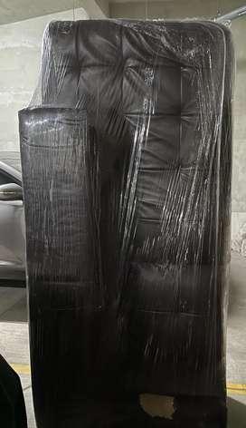 Mueble Sofa 1 pieza 300 soles con detalle