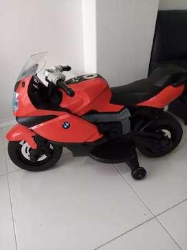 Vendo O permuto moto electrica