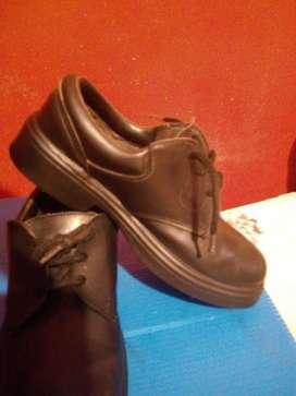 Zapatos de Cuero N33 Nuevos