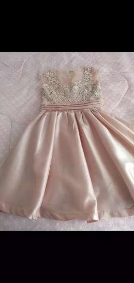 Vendo dos hermosos vestidos