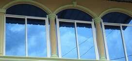 Aluminio Vidrio Ventanas Puertas Closet Baños Vitrinas Mamparas Policarbonato